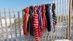 CHOOSING SCARVES AND SCARF STYLES FOR SUMMER GUIDE