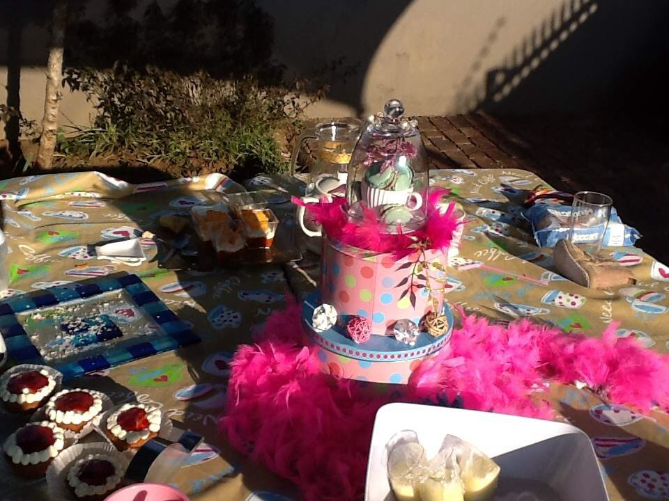 TEA PARTY WITH FRIENDS